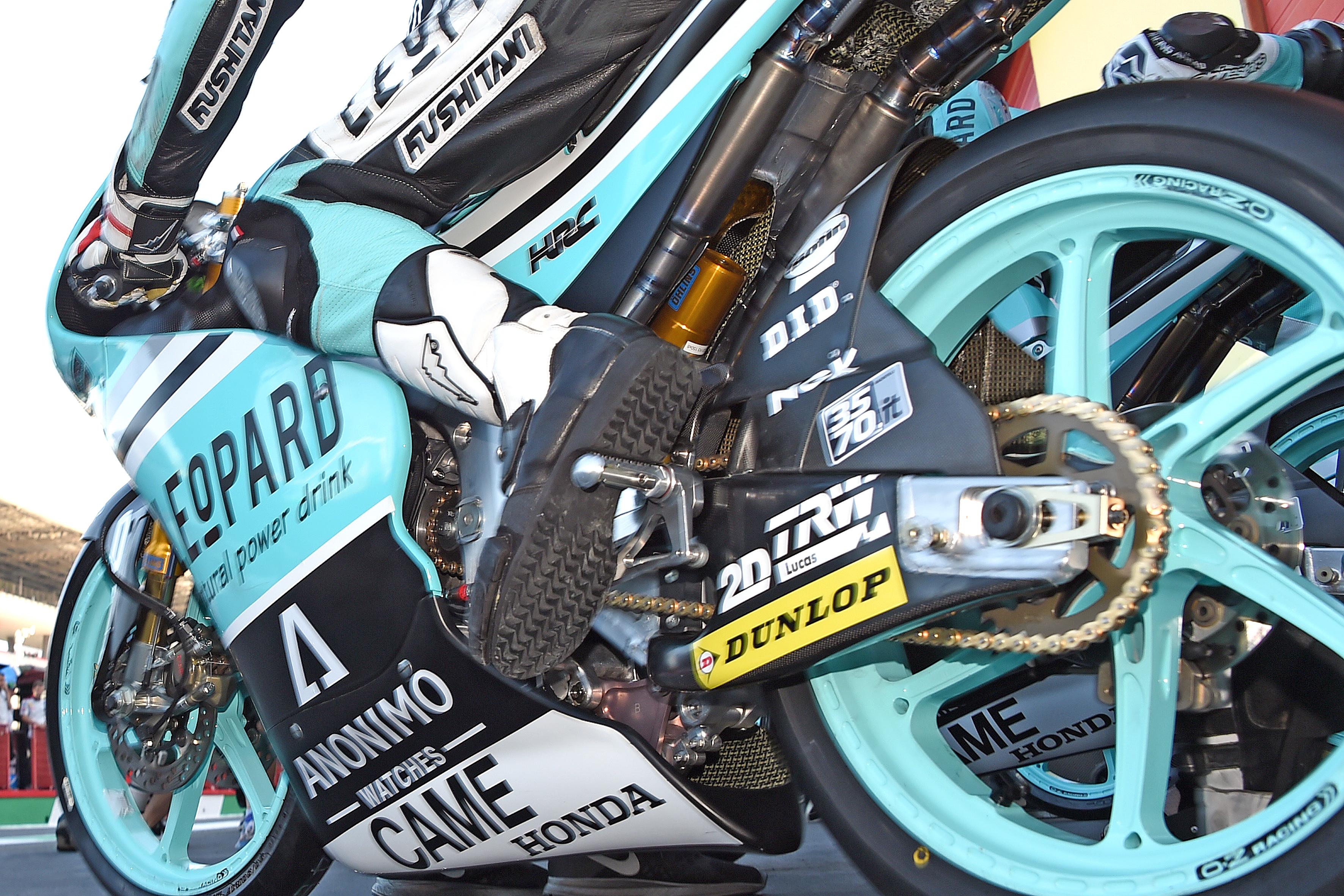 Bildnachweis: Friedrich Weisse -msd- Belegexemplar an:  Friedrich Weisse Georg-BŸchner-Str.: 8 D-68519 V i e r n h e i m Tel.:+49 6204 4486 Mobil: +49 163 7889077 email: info@motorradrennen.com Honorarpflichtig gem. MFM